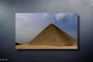 Gegossene Pyramiden
