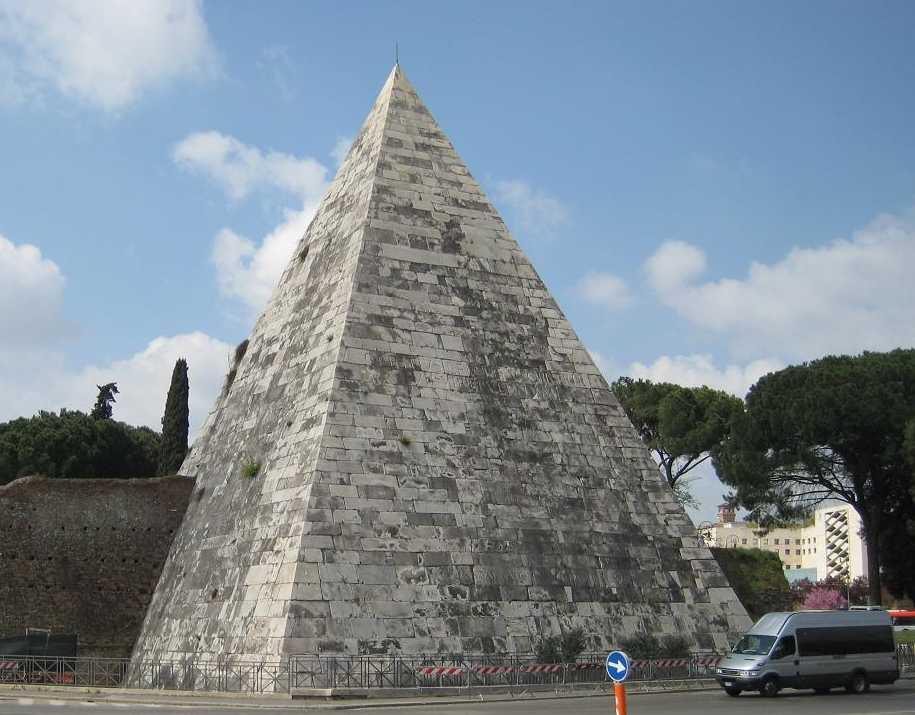 1_italy_pyramids_2.JPG