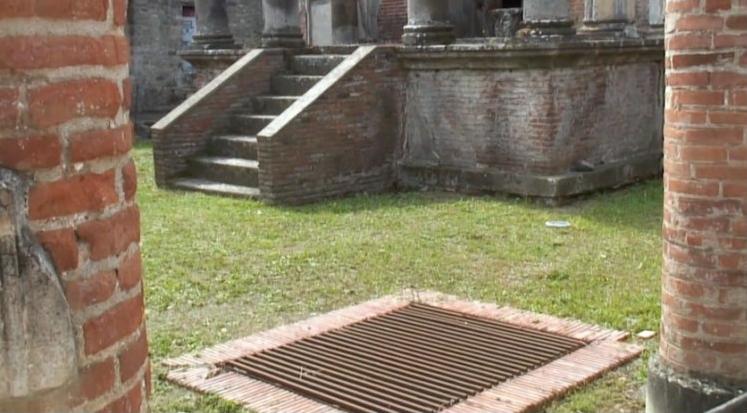 Piranesi_Pompeii_water_well_3.png