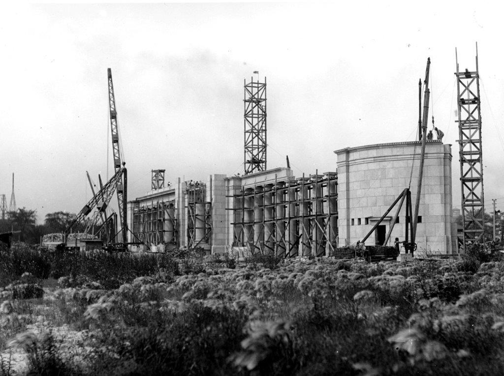 1927_Construction_of_Princes_Gates_City_of_Toronto_Archives_sm.jpg