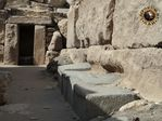 pyramid_ancient_egypt_granite_pouring_1.jpg