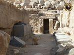 pyramid_ancient_egypt_granite_pouring_3.jpg